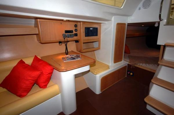 Pacer Yachts 376 R Chart Table