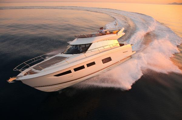 Prestige 550 Fly Prestige 550 Fly Bridge / Sister-Ship