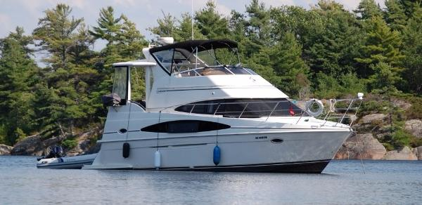 Carver 366 Motor Yacht profile on water