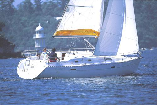 Beneteau Oceanis Clipper 331 Manufacturer Provided Image: Océanis Clipper 331