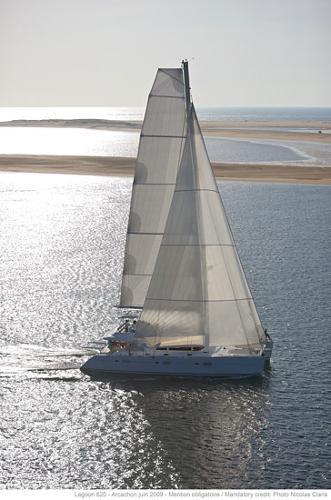 Lagoon 620 Sailing