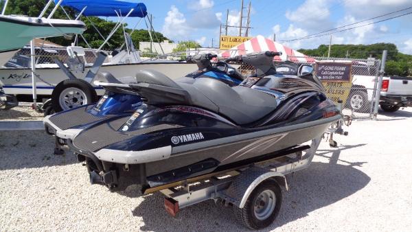 Yamaha WaveRunner VX Cruiser-CRUISER HO