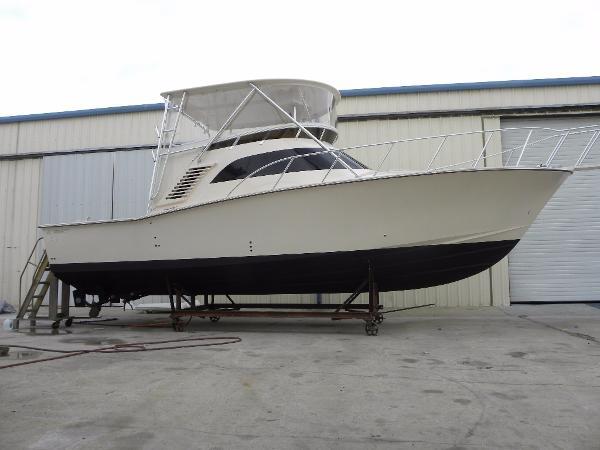 Delta Boat Company 36 SFX Profile