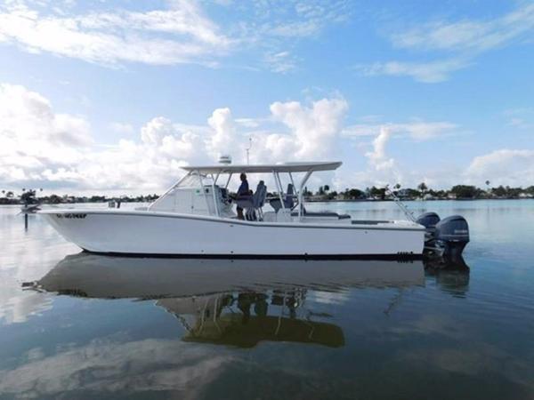 Millennia Catamaran Center Console S/F Profile