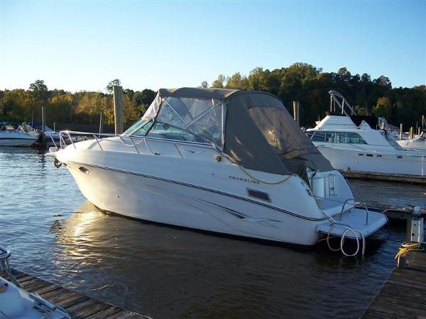 Crownline 290 CR Port Side
