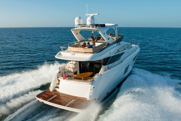 The L590 Fly is inspiring, versatile, & stunning. Take a deeper dive and explore this state-of-the art flybridge yacht; call us to schedule a sea trial.