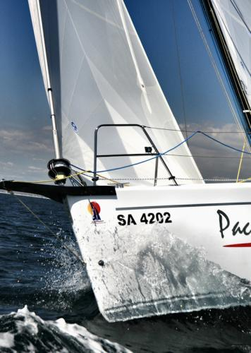 Pacer Yachts 400 Bow