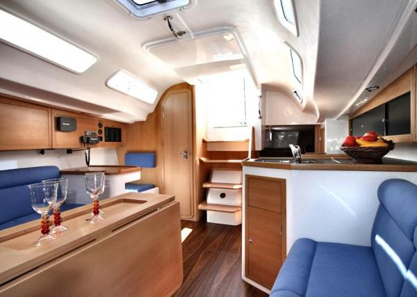 Pacer Yachts 400 Interior