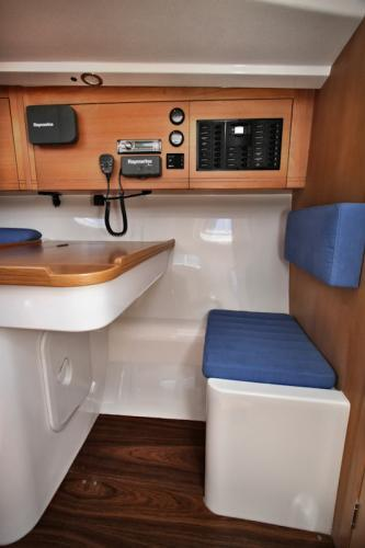 Pacer Yachts 400 Chart Table