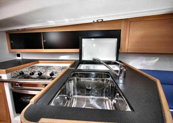 Pacer Yachts 400 Galley
