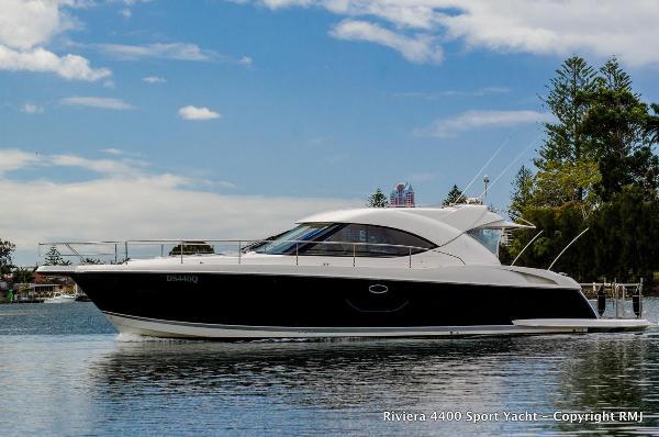 Riviera 4400 Sport Yacht Riviera 4400 Sport for sale in Greece