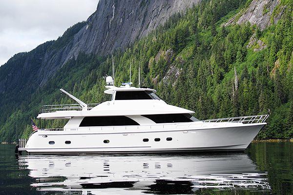 Ocean Alexander 80 Motoryacht Exterior