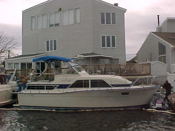Chris-Craft 350 Catalina