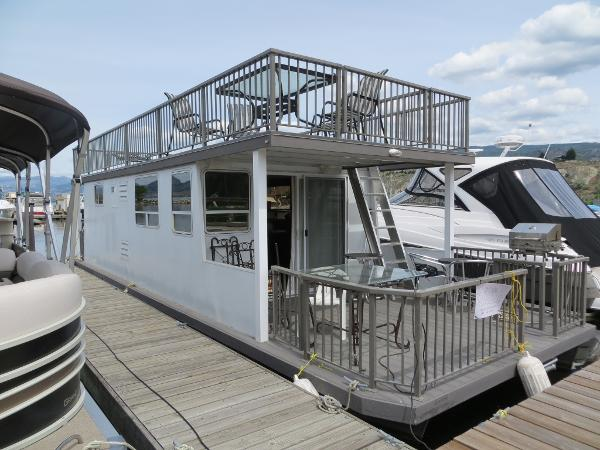 Three Bouys 40' House boat