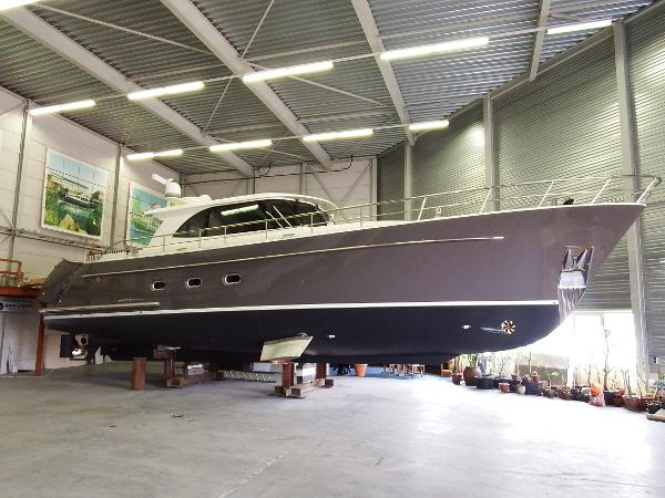 Vripack Holterman 60 Ft (European Powerboat 2011)
