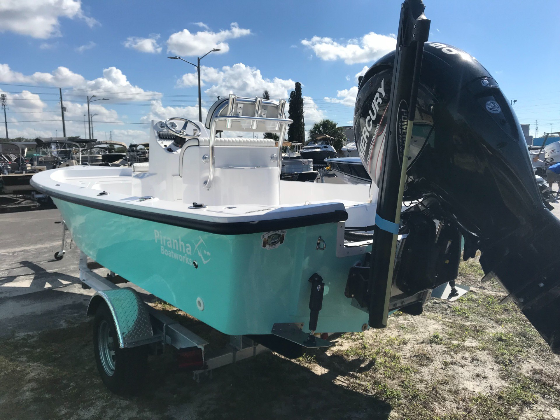 Piranha Boatworks B2200