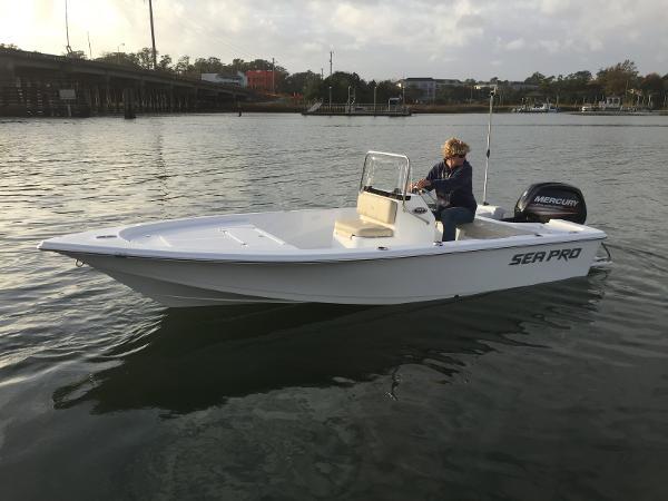 Sea-pro 172BAY