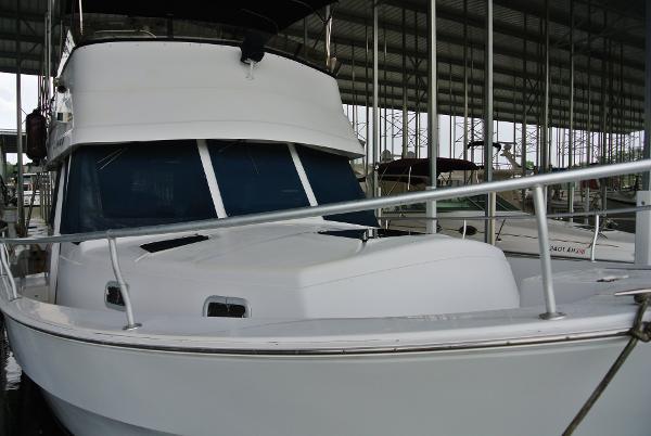 Mainship 350 Trawler Mainship 350