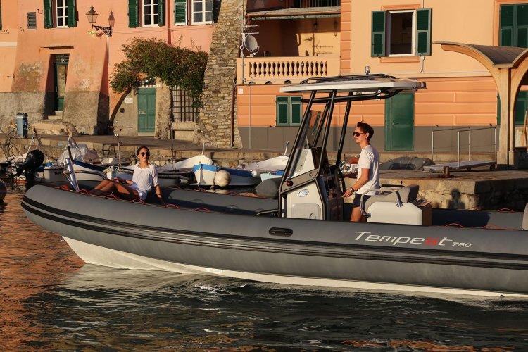 Capelli Tempest 750 Sport