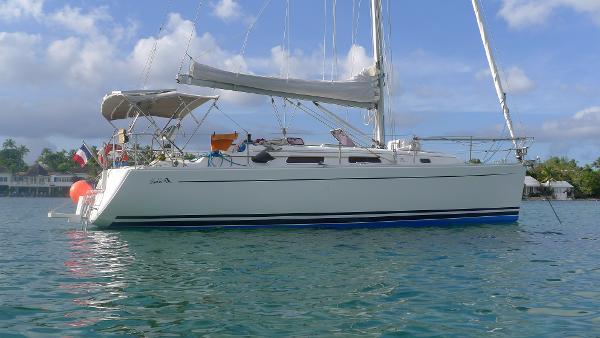 Hanse 342 Luna-Nera at anchor
