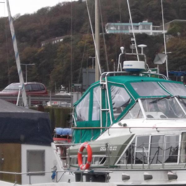 Broom Ocean 37 (lowered)
