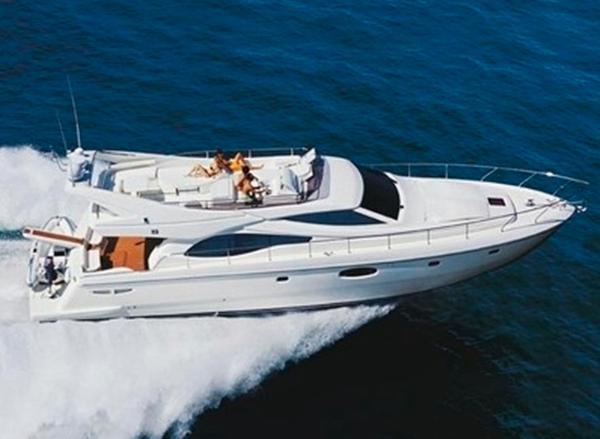 Ferretti Yachts 591 2