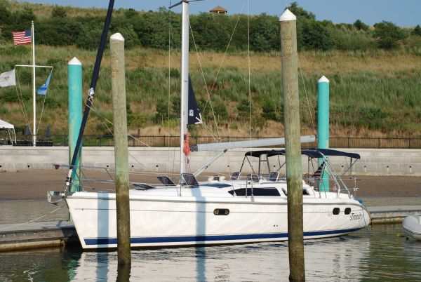 Hunter 380 Dockside