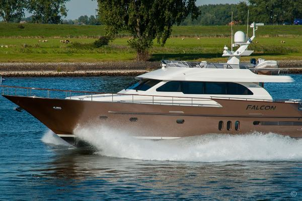 Van der Valk Flybridge 20m (Displacement) Van der Valk Flybridge