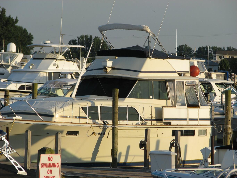 Chris-Craft 410 Motor Yacht