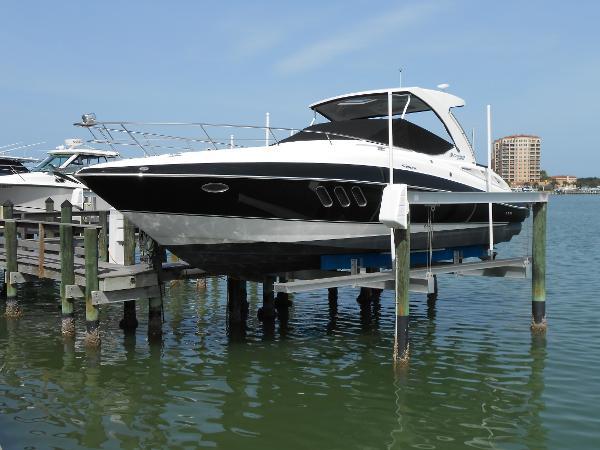 Cruisers Yachts 330/350  Express