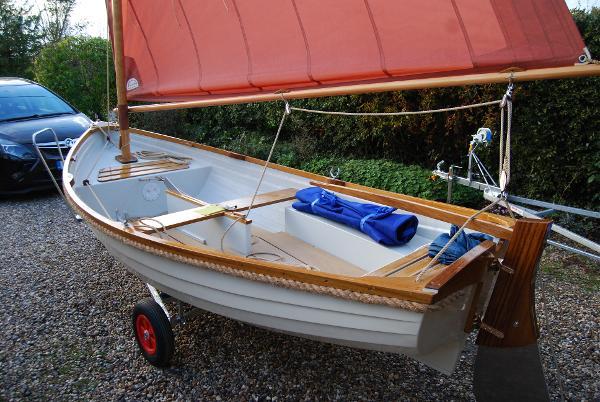 Classic 12ft Smacks Boat