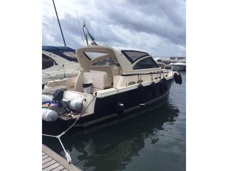 Cayman Yachts Cayman 38 WA
