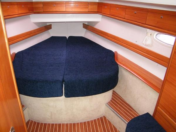 Bavaria 46 Cruiser Owners cabin