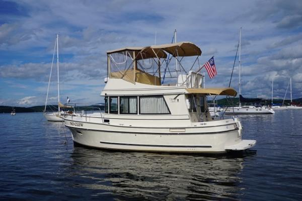 Camano Trawler 31