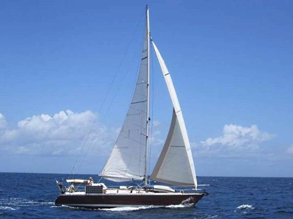 Custom cold-molded wood sloop