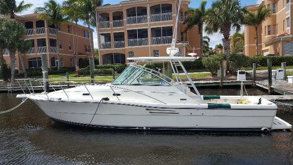 Pursuit 3000 Express The Perfect Cruising Fisherman