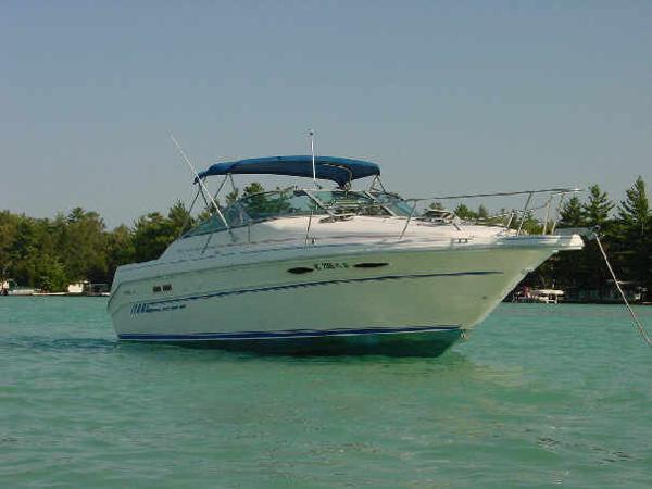 Sea Ray SRV 300 Weekender