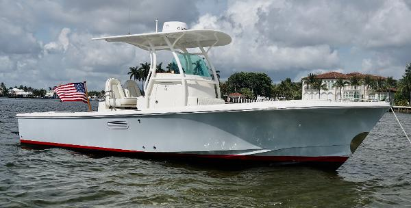 Hunt Yachts 25' Center Console