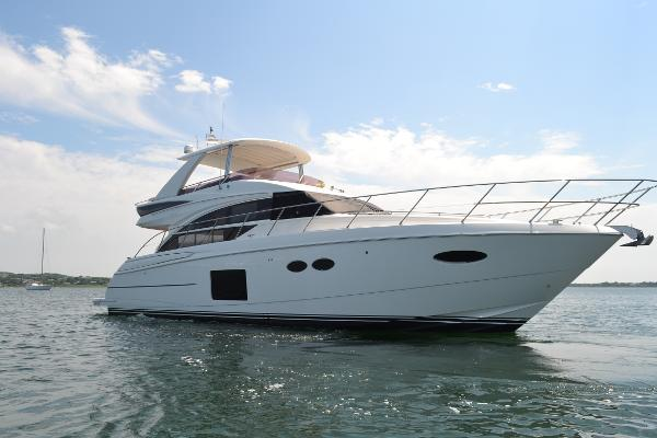 Princess 56 FlyBridge Starboard Bow