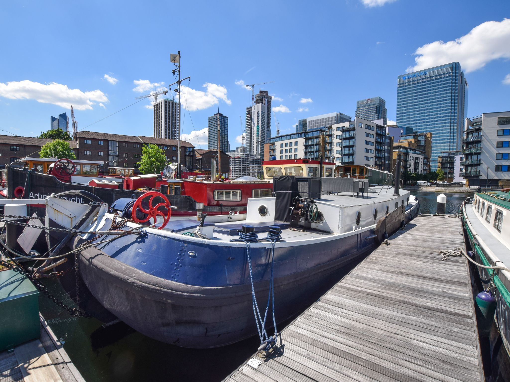 Dutch Barge 22m with London mooring