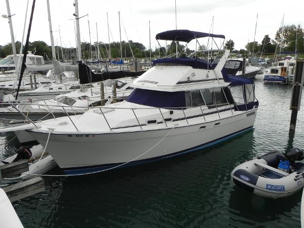Bayliner 3270 Motoryacht Port side