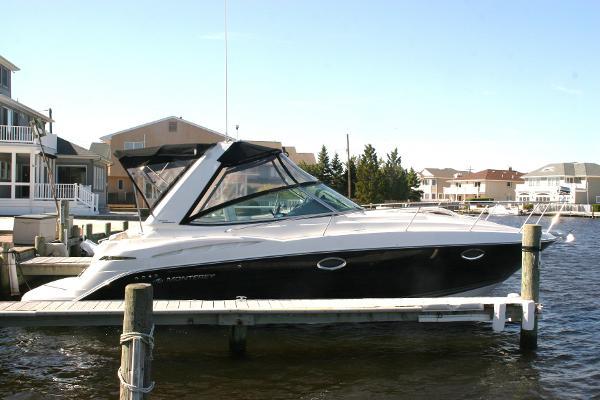Monterey 300 SCR 32' Monterey 300 Sport Cruiser