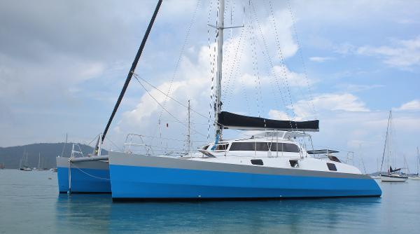 Catamaran Mumby 48