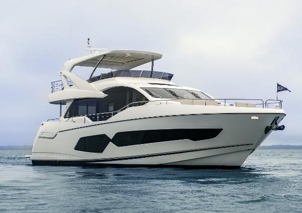 Sunseeker 76 Yacht Main