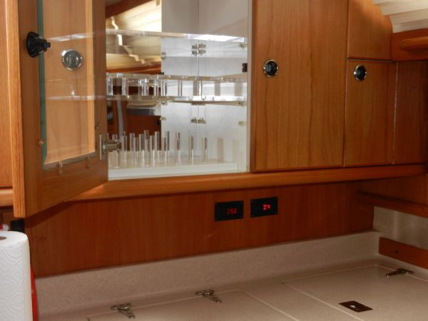 Glass and dish storage cabinet