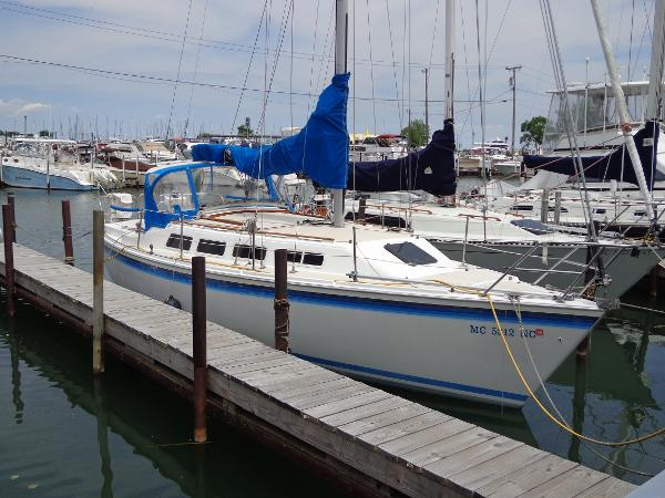 Laguna 30 Dockside