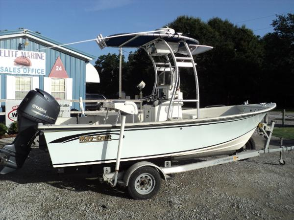 May-Craft 1800 Center Console