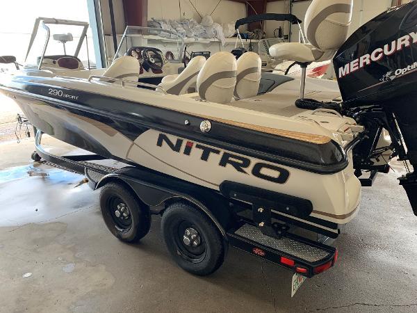 Nitro 290 Sport w/ 150 XL OptiMax and Trailer