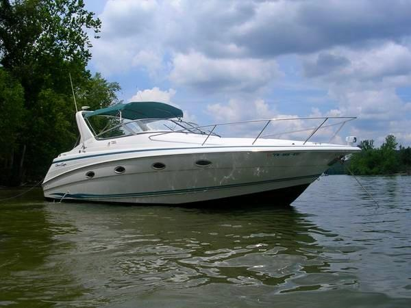 Chris-Craft Crowne 32