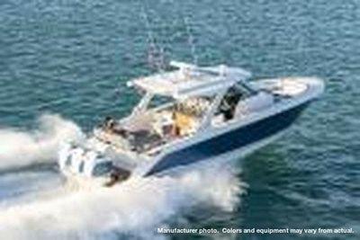 Tiara Yachts 38LS